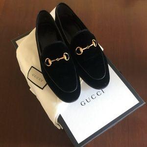 Gucci Jordan velvet loafer